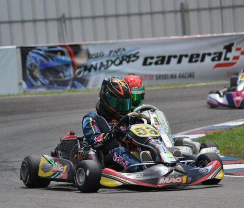 Javier Tejeda en acción en la pista de SFM Racing Speed Way de San Fco. De Macoris